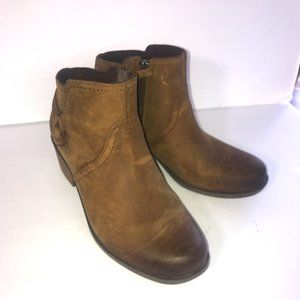 Teva Foxy Brown Strap Ankle Boots Nubuk Leather 9